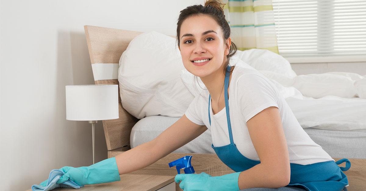 Consigli per pulire la camera da letto