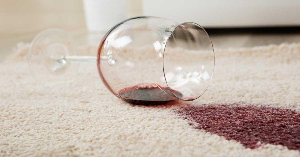 pulire macchia su tappeto